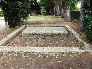 myers-grave-4